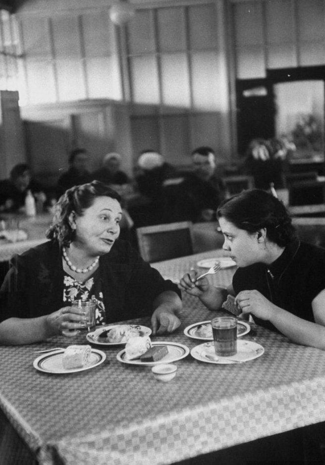 LisaLarsen19 - Простые москвички 1950-х глазами американки