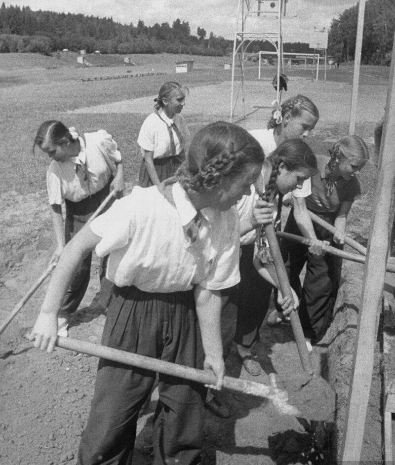 LisaLarsen33 - Простые москвички 1950-х глазами американки