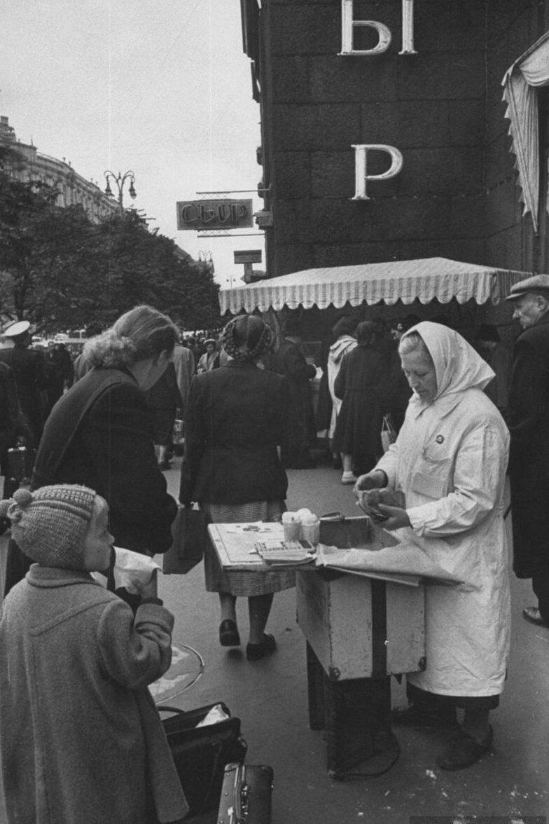 LisaLarsen35 - Простые москвички 1950-х глазами американки