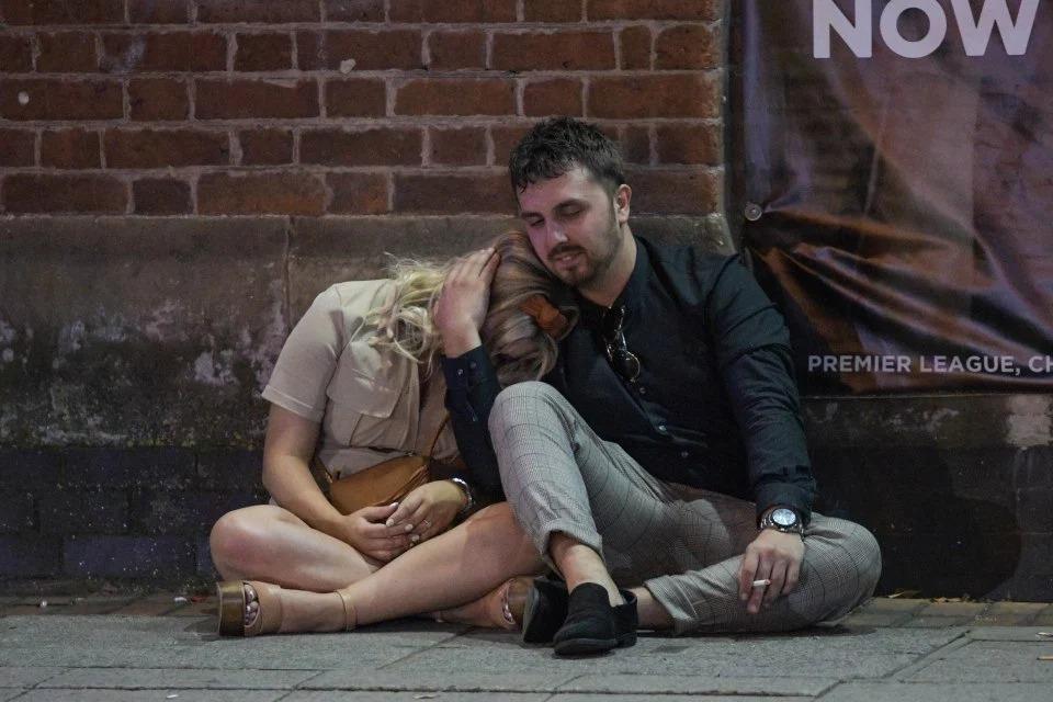 «Кровавая Мэри»: британцы отметили августовские выходные запоями и пьяными драками