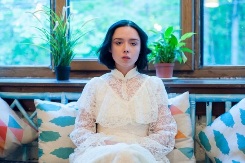 Что известно о загадочной 19-летней российской певице Polnalyubvi, которую называют будущей звездой фото