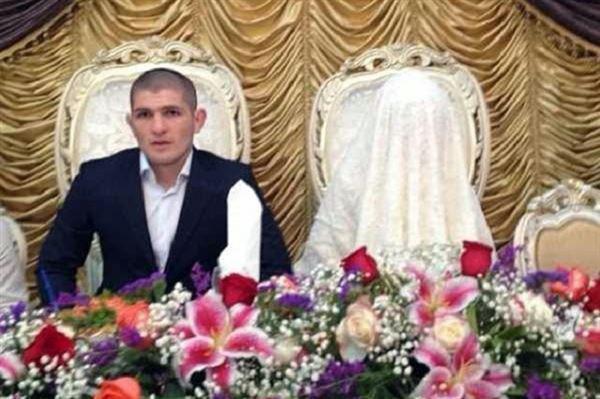 Жена Хабиба Нурмагомедова Патимат: что известно о любимой женщине российского чемпиона UFC фото