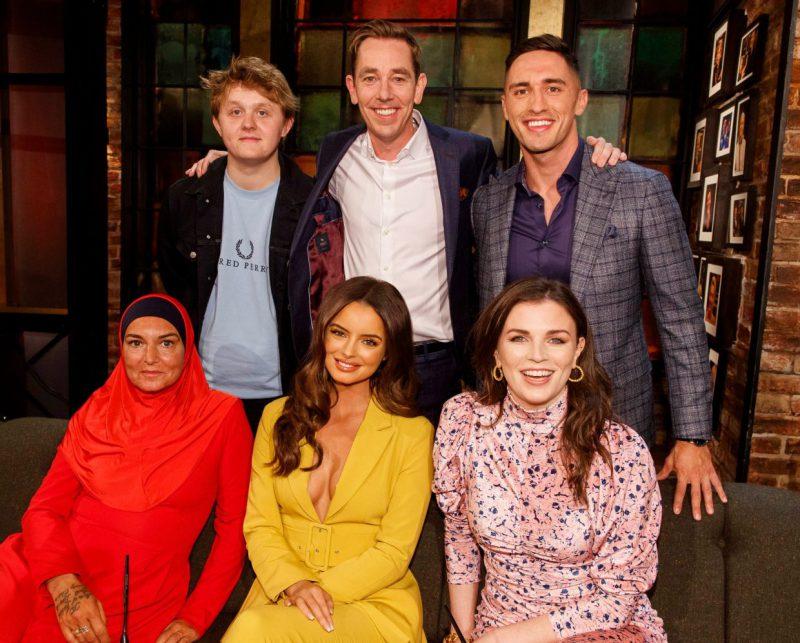 Скандальная ирландская певица Шинейд О'Коннор явилась на ТВ-шоу в исламском наряде