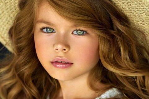 Гений чистой красоты: юную модель из России называют «самой красивой девочкой вмире»