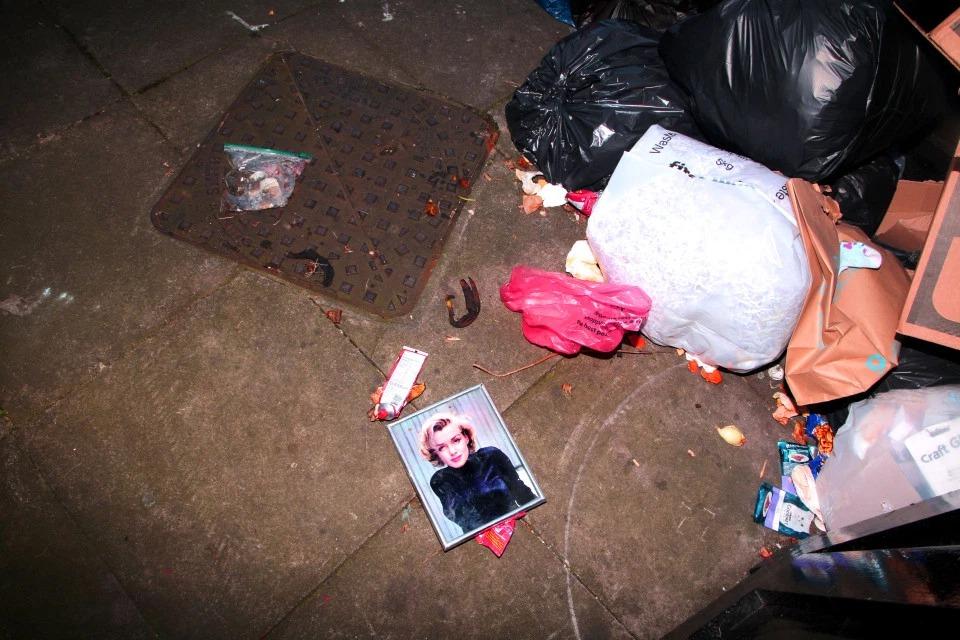 Темные дела: смелые фото ночной жизни в злачных местах Лондона