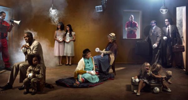 Мастер ироничного снимка Райан Шуде: история хаоса в одномкадре