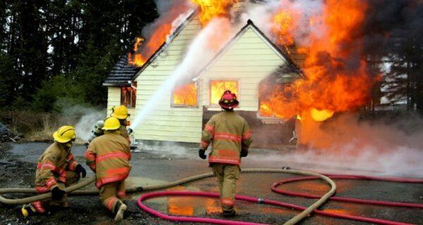 От тряпок до батареек: несколько причин пожара, о которых вы не подозревали