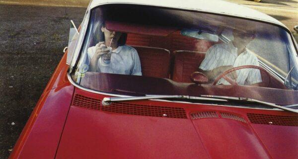 Америка 70‑х на снимках легендарного отца цветной фотографии Уильяма Эглстона