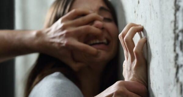 Всегда будь готова! Индийский режиссер призвал женщин не сопротивляться насильникам