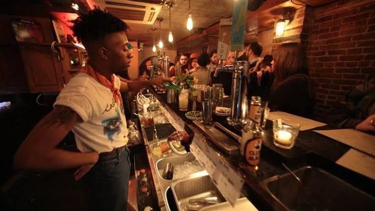 «Трезвые» бары: место, где можно повеселиться в «завязке»