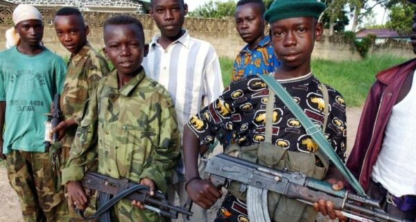 Безумный «Гитлер» из Уганды Джозеф Кони и его «Господня армия» детей-маньяков