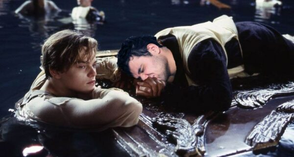 Два «Оскара» этому герою! Леонардо Ди Каприо спас тонущего в открытом море