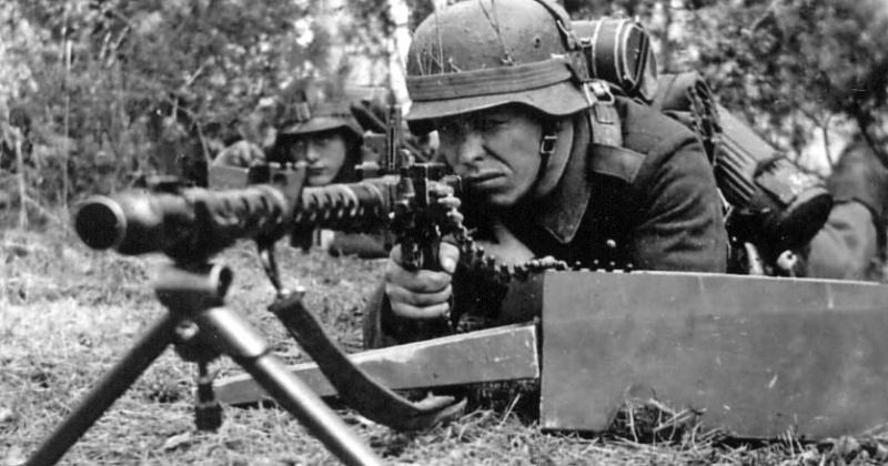 Почему избежал расплаты пулеметчик «Чудовище Омахи» — немец, убивший 2000 американцев фото