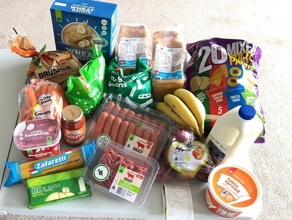 Вот сколько еды можно купить по цене пачки сигарет в Австралии фото