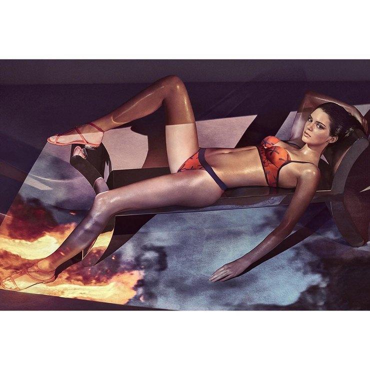 Самые «голые» рекламные кампании с участием знаменитостей