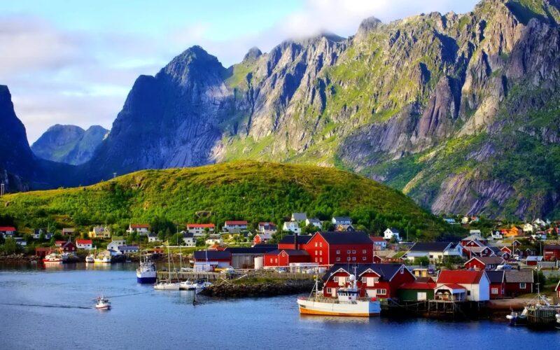 Морские круизы с заходом в Данию и Норвегию: суровое очарование северной природы