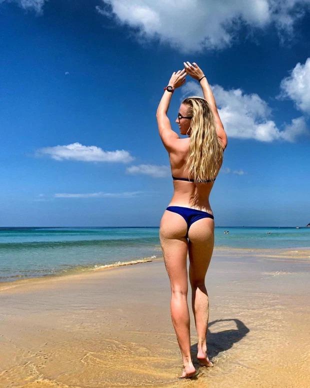Инстаграм-модель из России раскритиковали за фотографию в бикини из масок