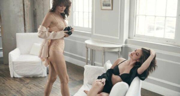 Всегда в отличной форме: 51-летняя супермодель Хелена Кристенсен сияет в новой рекламной кампании Victoria's Secret