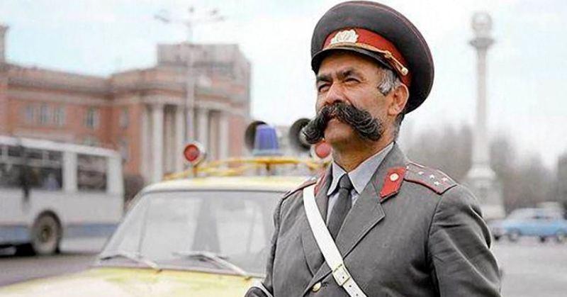 История Мулло Нурова — самого честного гаишника СССР, который оштрафовал даже свою жену фото