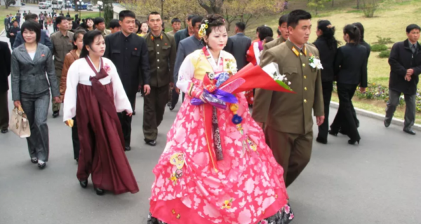 Выйти замуж за коммуниста, или Как выбирают супругов женщины Северной Кореи