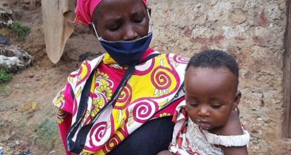 А вы еще жалуетесь на жизнь? Вдова кормила восьмерых детей супом из камней из-за крайней бедности