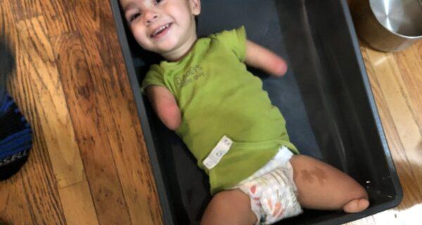 Без рук, без ног, без проблем: встречайте 4‑летнего Генри