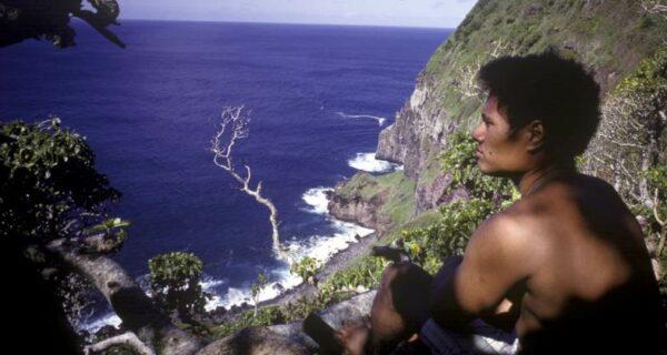Дети прожили на необитаемом острове больше года, посрамив автора «Повелителя мух»