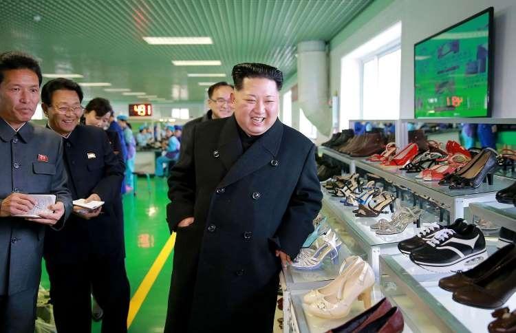 Золотой идол: роскошная жизнь Ким Чен Ына фото