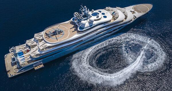 Как выглядит 136-метровая чартерная яхта Flying Fox
