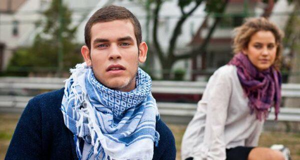 Арафатка: как арабский платок завоевал любовь военных и модников планеты