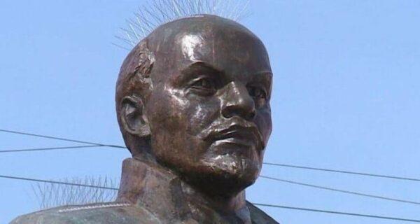 Чисто магаданская история: хотели как лучше, а получился «шипованный» Ленин