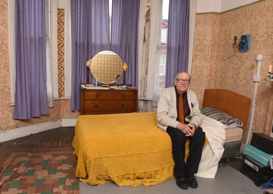 Дом, в котором остановилось время: 89-летний британец не меняет ничего в интерьере с 1948 года фото