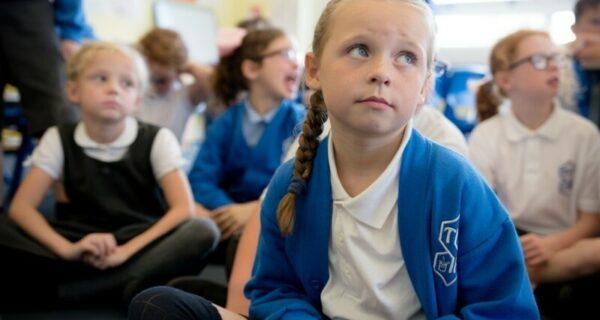 Недетские темы ЛГБТ и насилия: в британской начальной школе вводят «уроки про отношения»