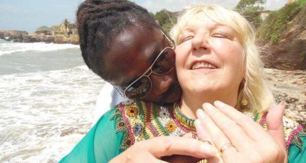 Африканские страсти: как 68-летняя британка стала жертвой обмана молодого любовника изГаны