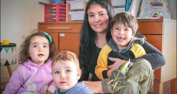 Блогершу из Австралии раскритиковали за то, что ее четырехлетняя дочь все еще носит подгузники
