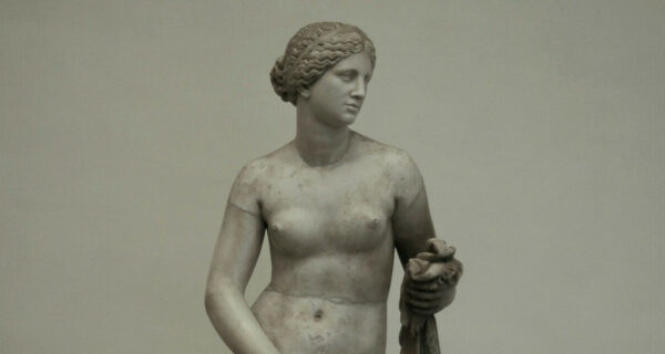 Статуя Афродиты Книдской — такая реалистичная, что ее когда-то изнасиловали
