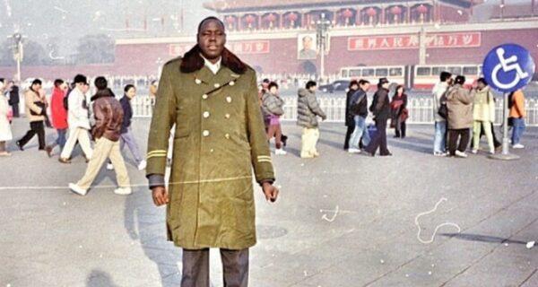 Как фотограф Томас Совин собрал коллекцию из миллиона снимков на свалках Китая