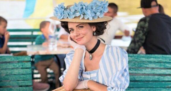 «Леди винтаж» из Винницы: девушка выбрала для себя повседневный викторианский стиль