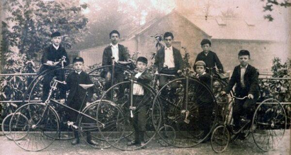 История велосипеда: Пенни-фартинг, или Высокое колесо