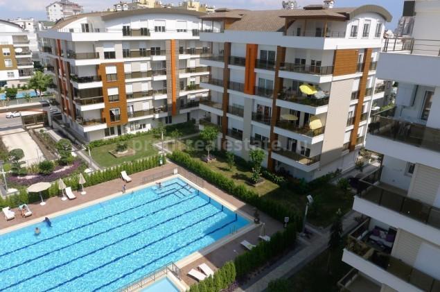 Апартаменты в комплексе недалеко от пляжей Коньяалты, Анталия