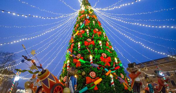 Праздничные огни России: как украсили к Новому Году российские города