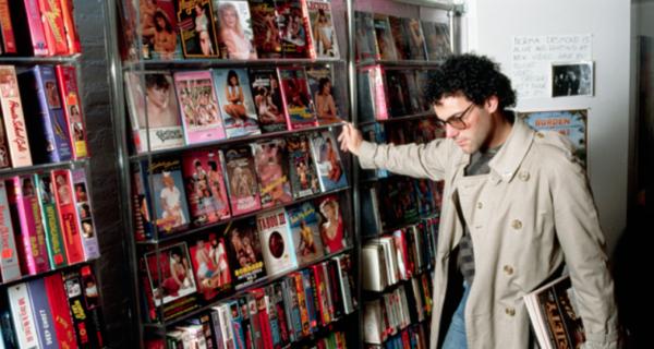 Американец отсудил у родителей, выбросивших его коллекцию порно, 25 тысяч долларов
