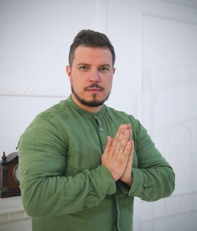 Астролог Дмитрий Ермолаев