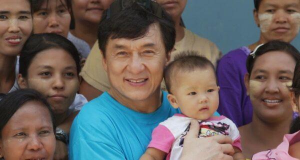 Почему Джеки Чан завещал половину своего состояния бедным