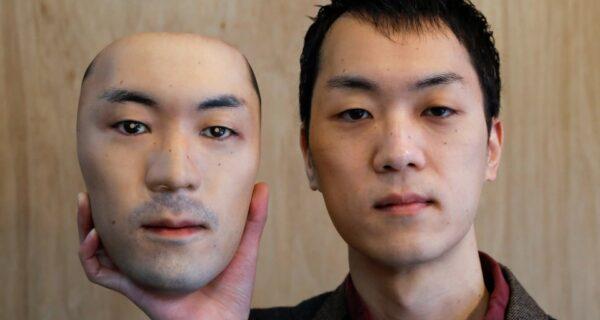 Двуликий Янус: продавец из Японии создает потрясающие гиперреалистичные маски с помощью 3D принтера