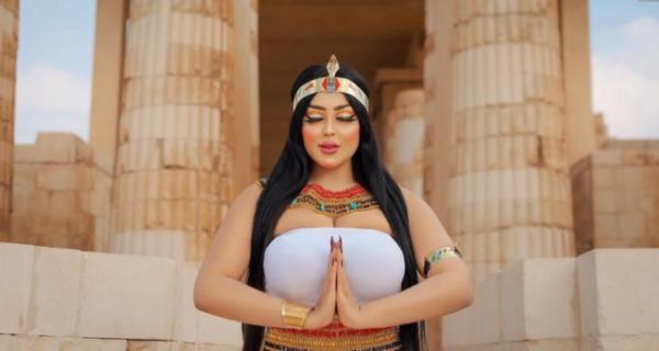 В Египте арестовали фотографа и модель за откровенные съемки возле пирамид