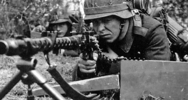 Почему избежал расплаты пулеметчик «Чудовище Омахи» — немец, убивший 2000 американцев