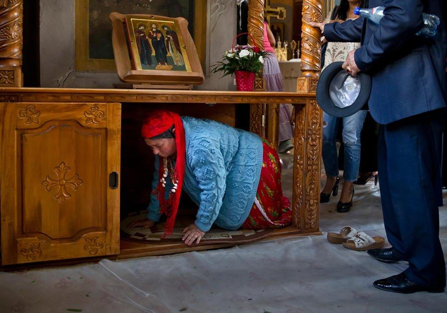 К какому вероисповеданию относятся цыгане и чем необычна их вера фото