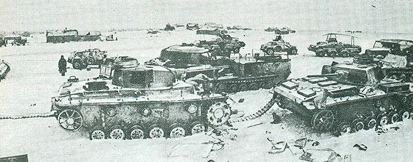 Поврежденная военная техника под Сталинградом