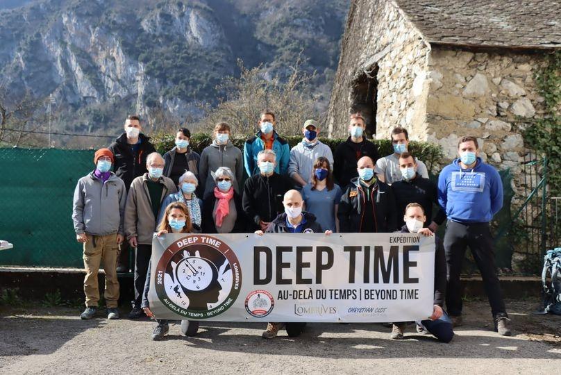 Вне времени: 15 добровольцев во Франции проведут в полной изоляции в пещере 40дней